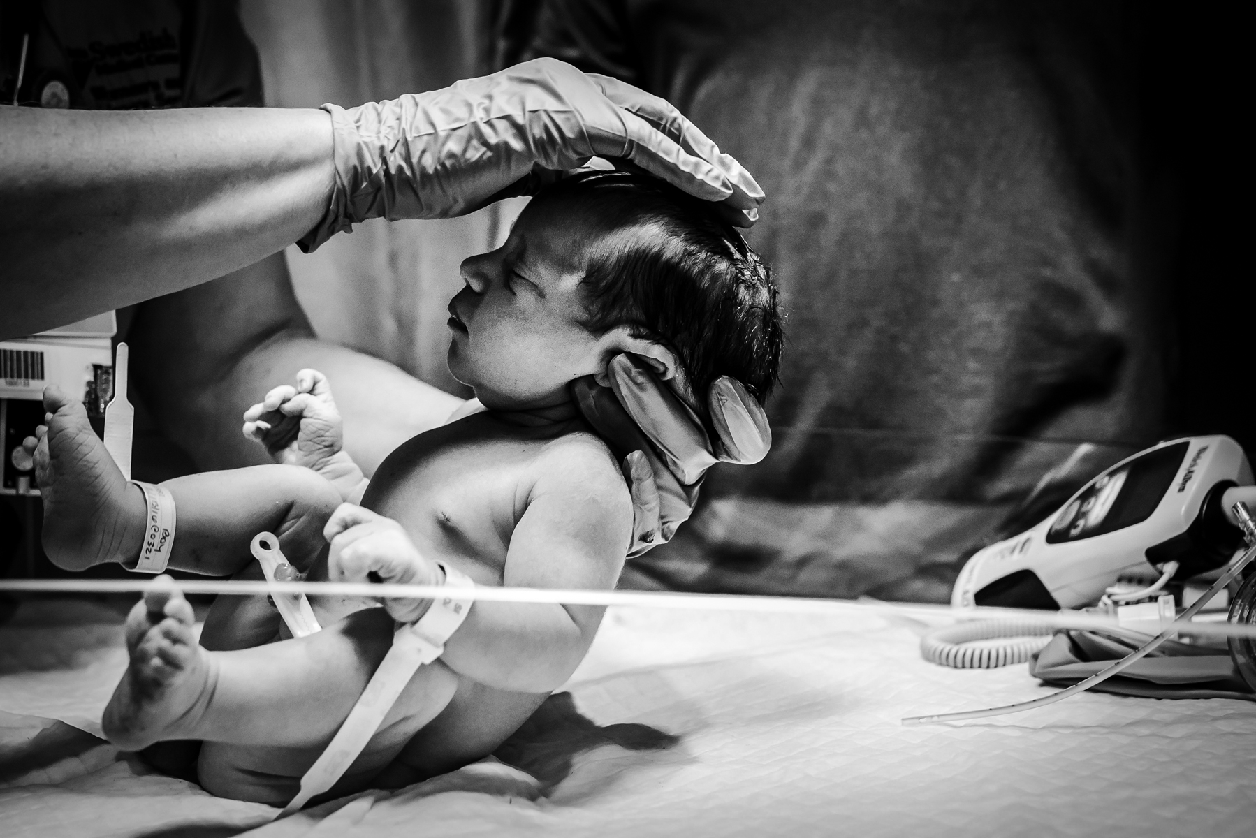 Denver-Birth-Photographer-Vaginal-Breech-Newborn-Exam