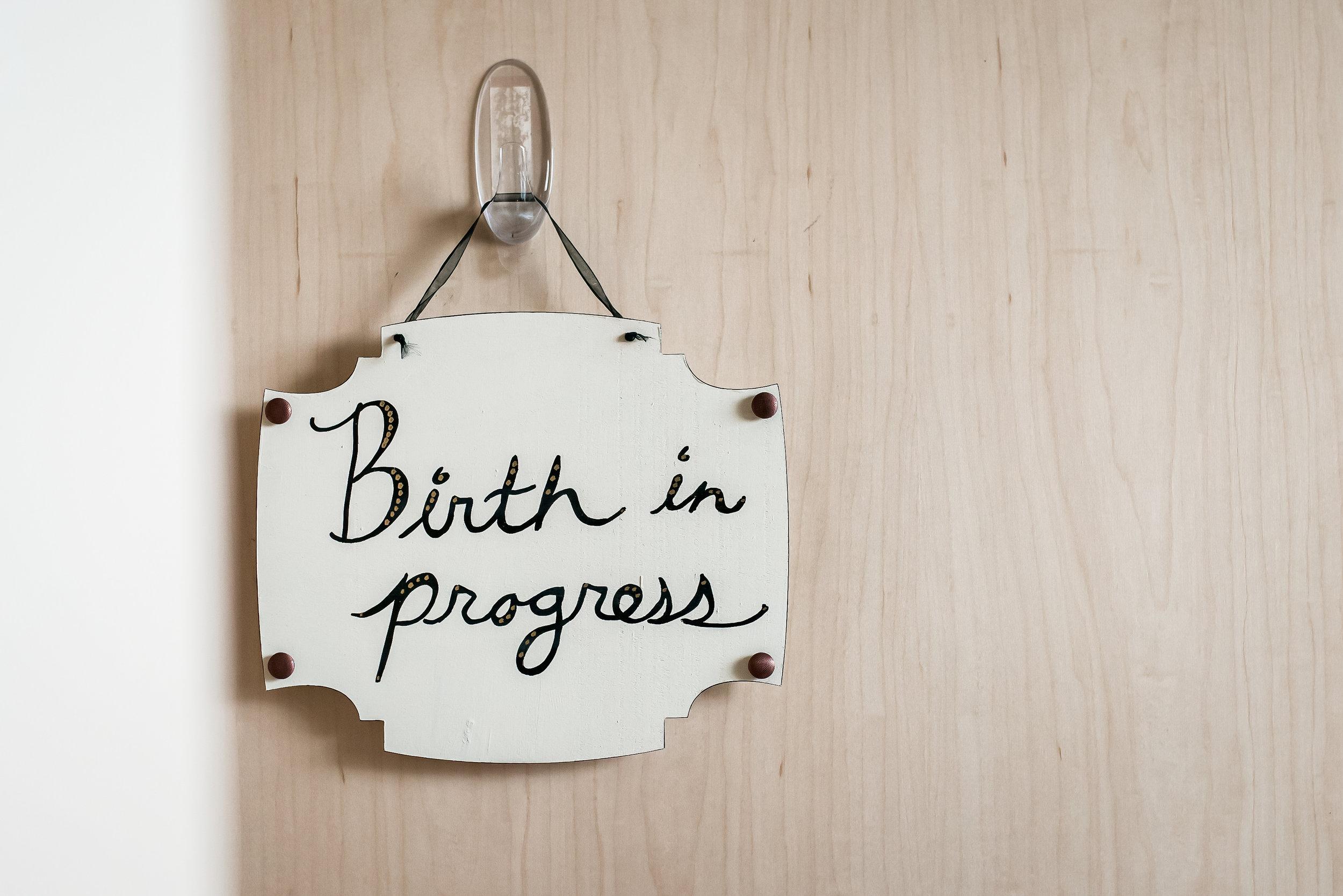 Mountain-Midwifery-Birth-Photographer-Birth-Sign