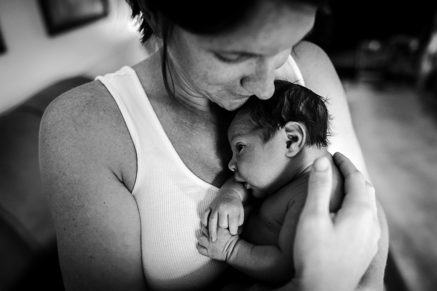 mom-baby-nestled