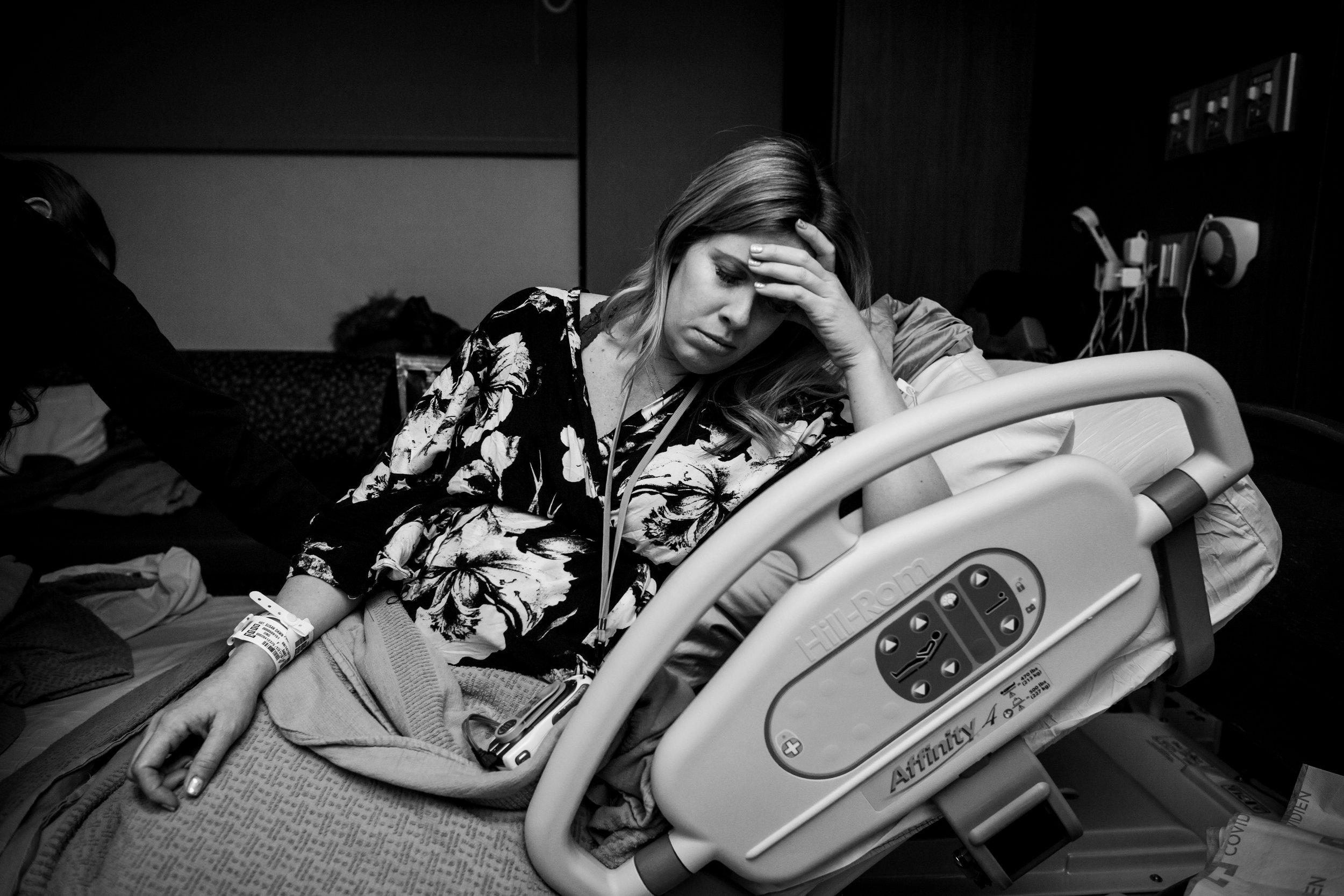 Laboring- Denver Colorado-Monet Nicole Birth Photographer