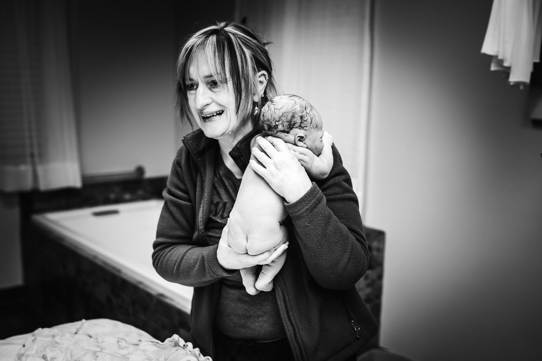 midwife-newborn-exam