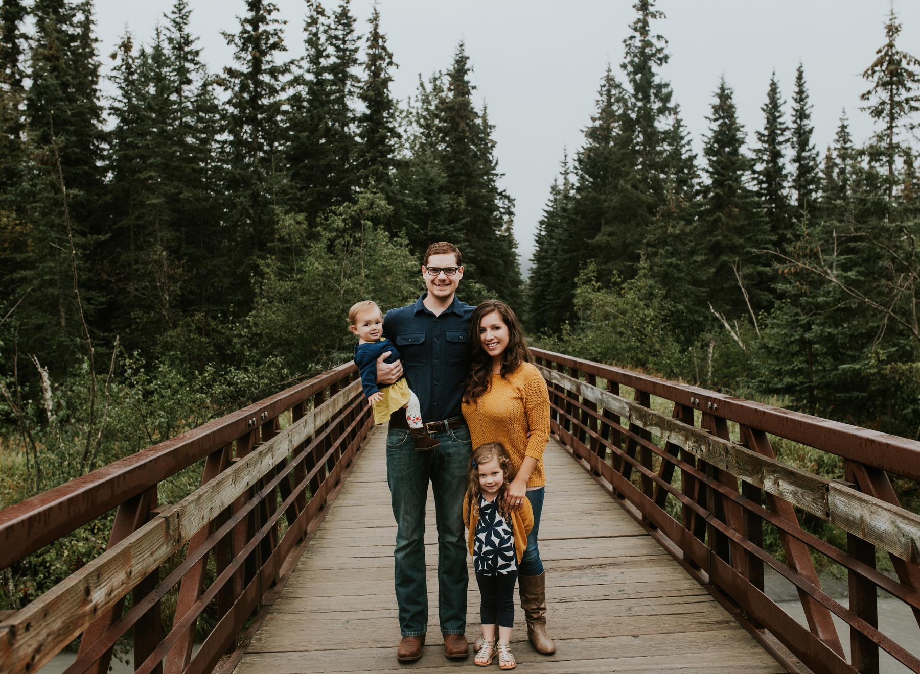 5eagleriveralaskafamilyphotographer.jpg