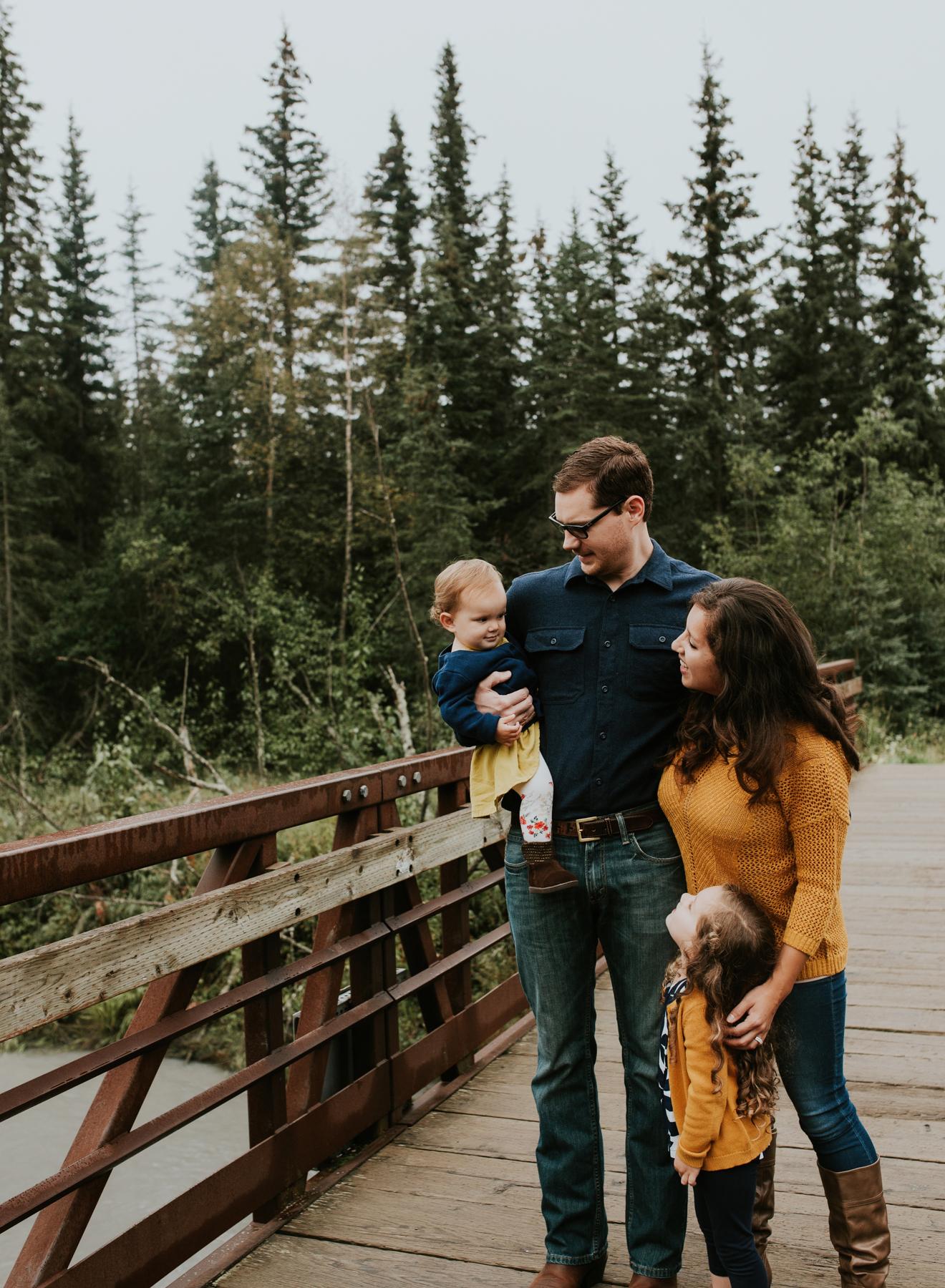 7eagleriveralaskafamilyphotographer.jpg