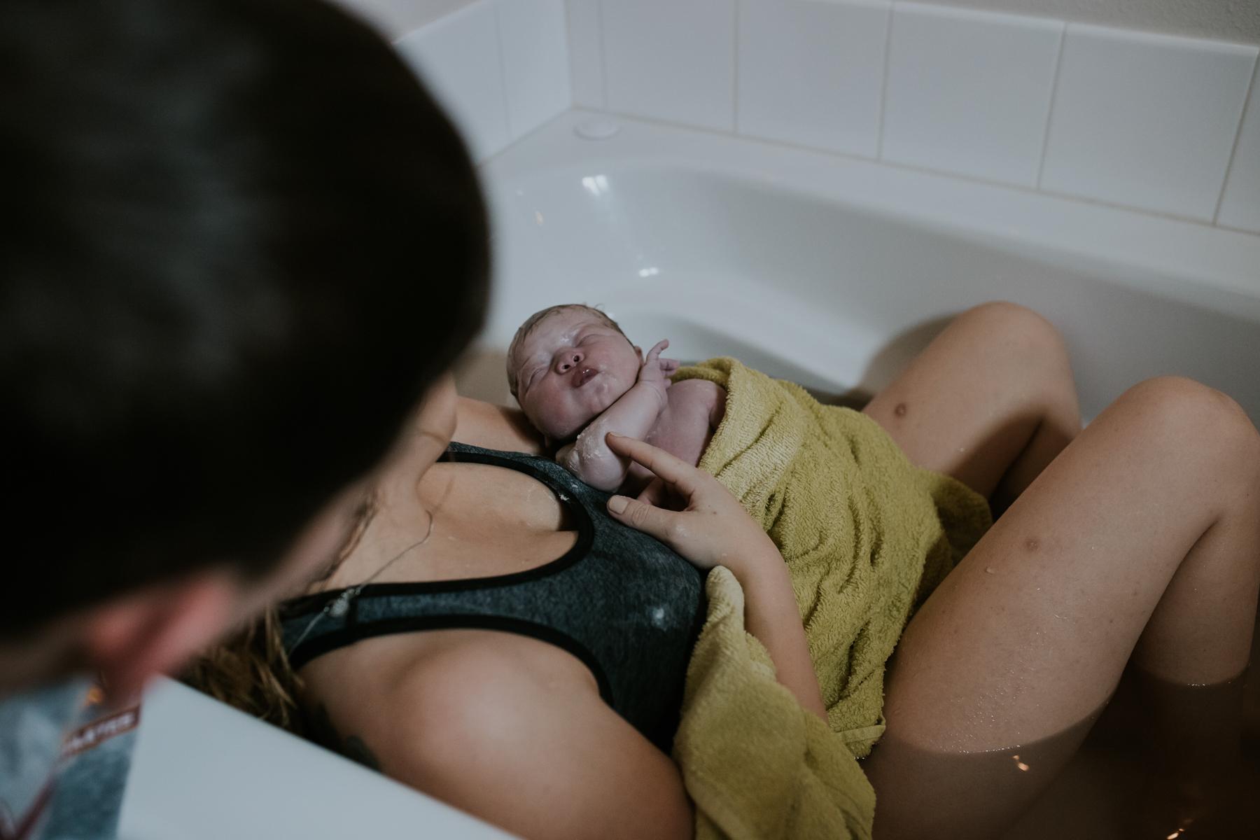 IMG_0388J-Birthanchoragebirthphotographer.jpg