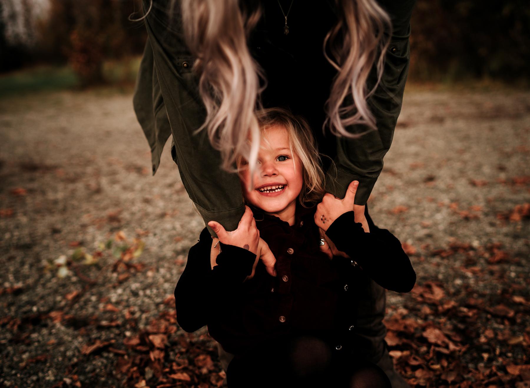 anchoragefamilyphotographerfall2018144.jpg