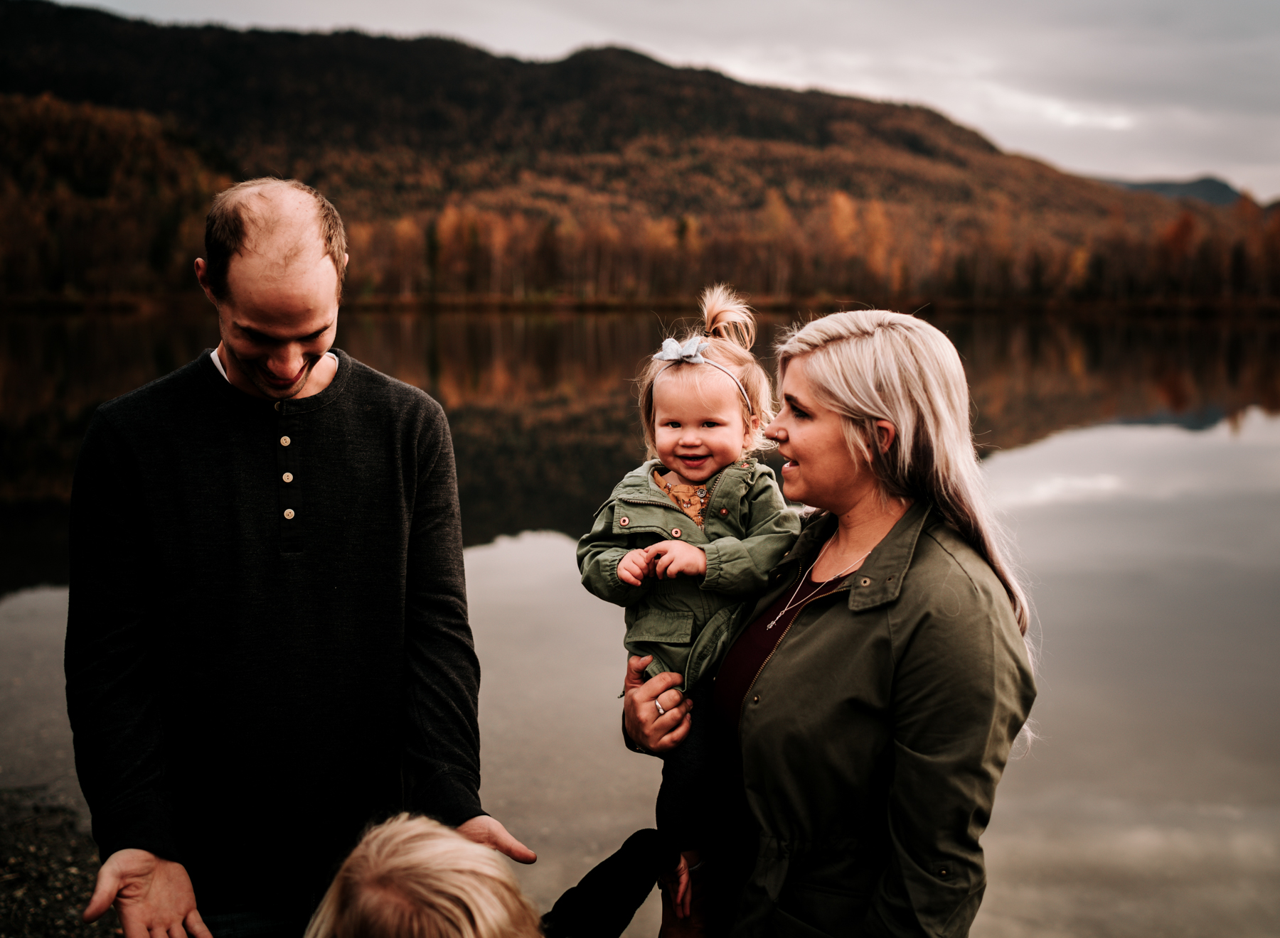 anchoragefamilyphotographerfall2018155.jpg
