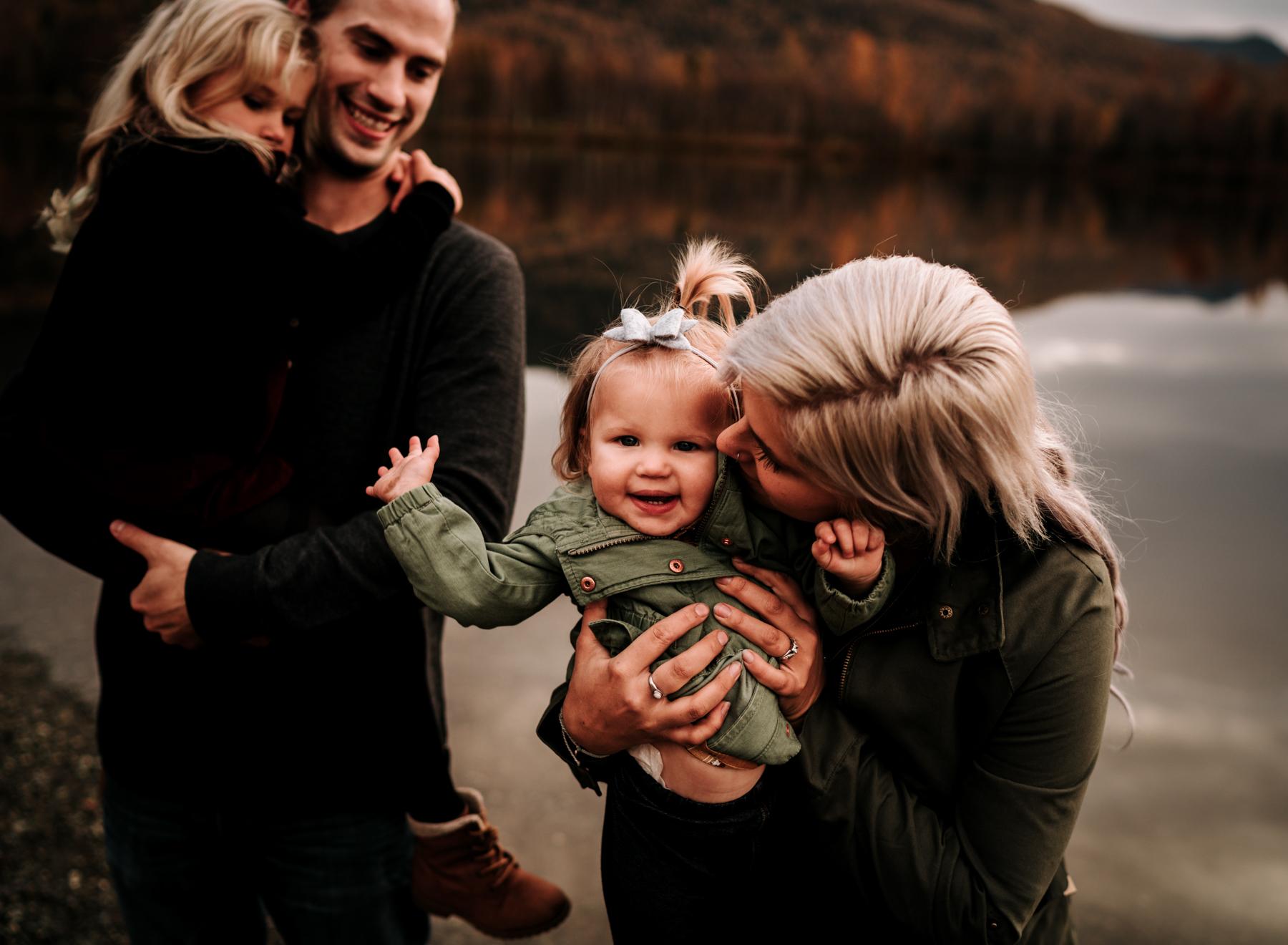 anchoragefamilyphotographerfall2018157.jpg