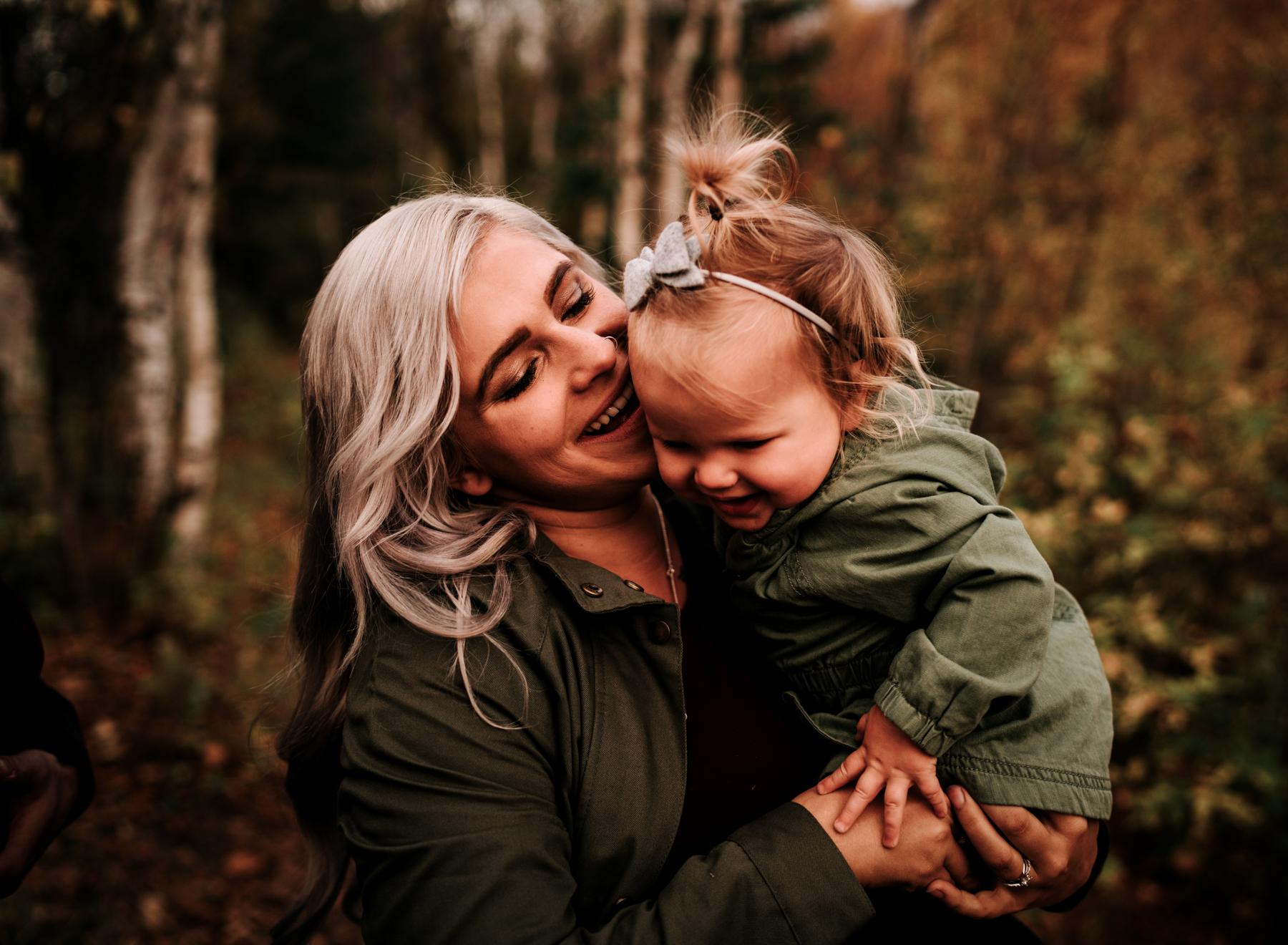 anchoragefamilyphotographerfall2018180.jpg