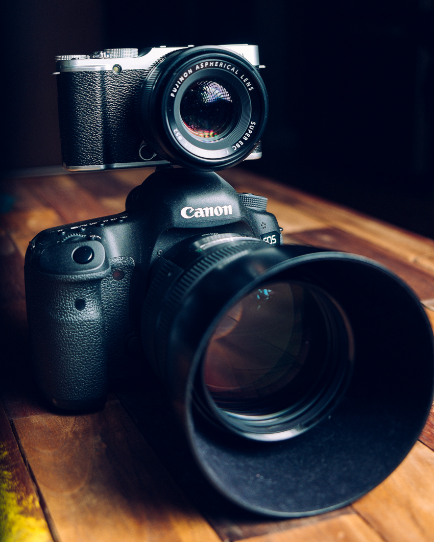 Size Comparison: Fuji X-M1 + XF 35mm f/1.4 on top of a Canon 5D Mark III + EF 85mm f/1.2