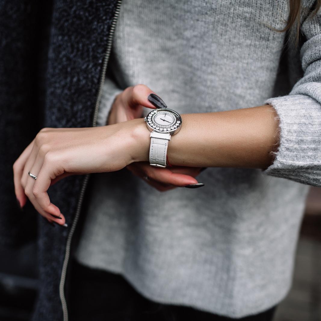 bigstock-White-Women-s-Wrist-Watch-On-T-216671011.jpg