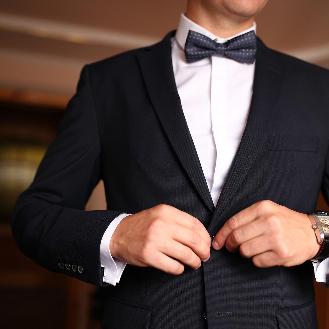 Watch-Sharp-Dressed-Man-Wearing-Jack-314964007.jpg