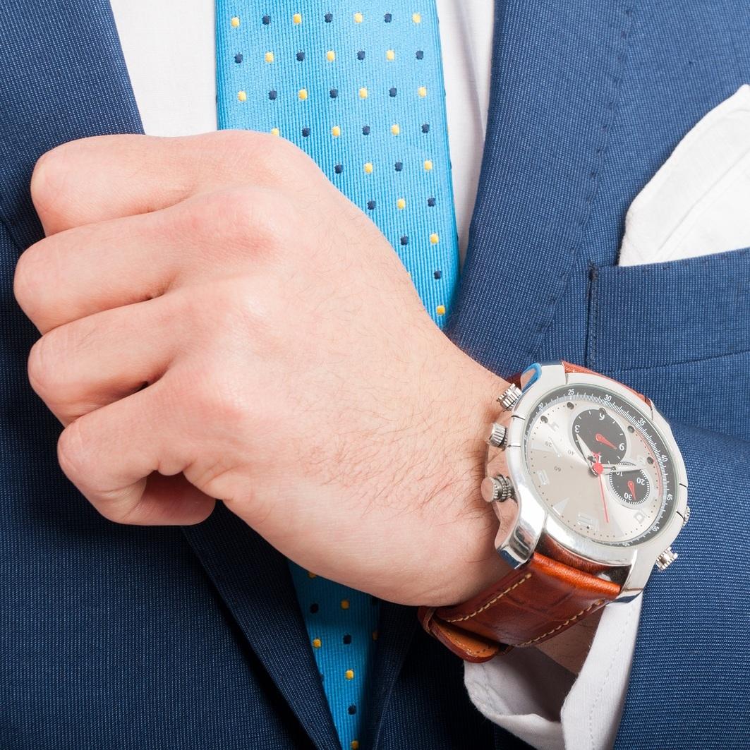 bigstock-Closeup-Fashion-Image-With-Lux-186072814.jpg