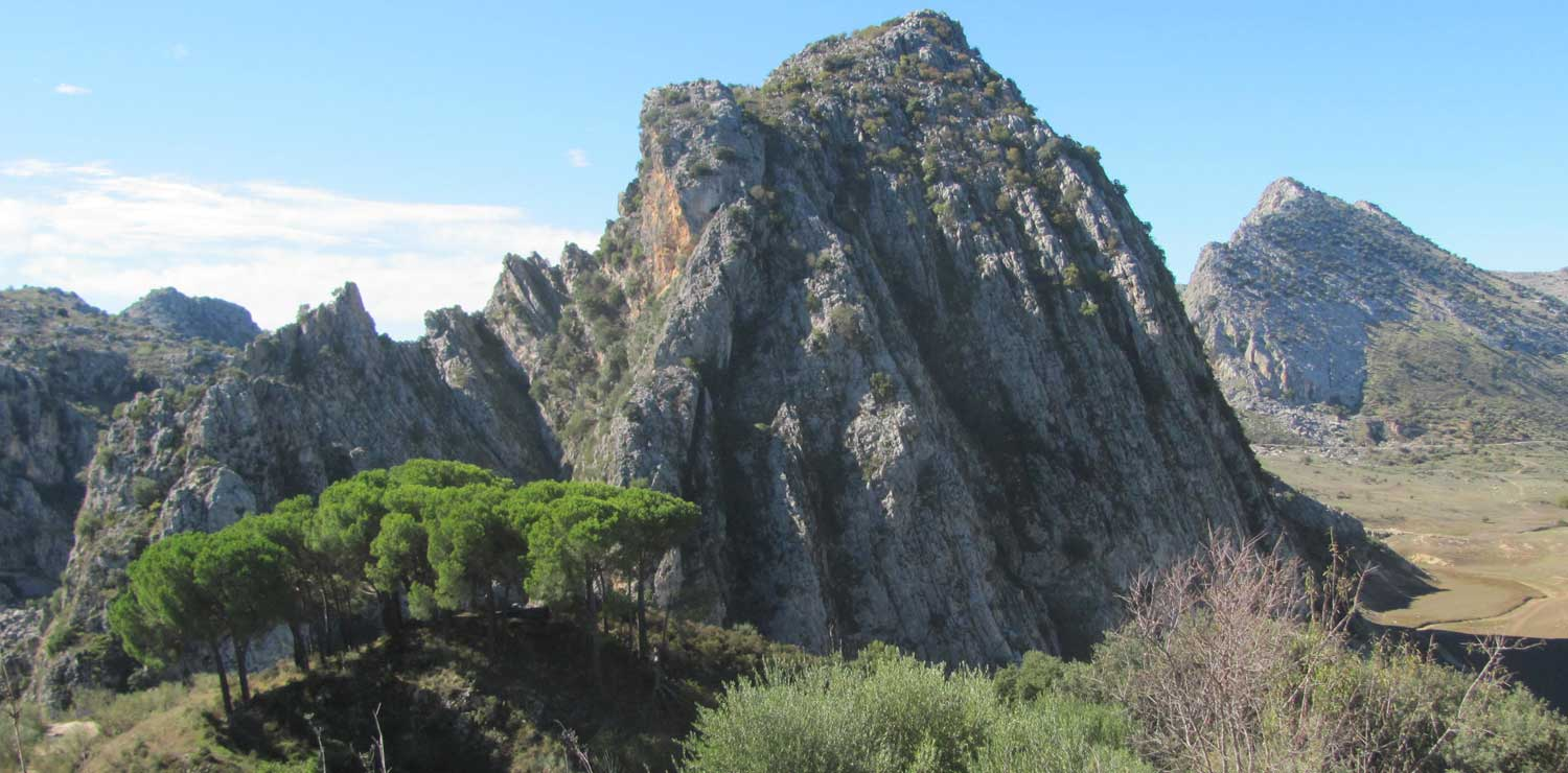 Incredible-rock-formation-on-the-road-between-Ronda-and-Gaucin.jpg