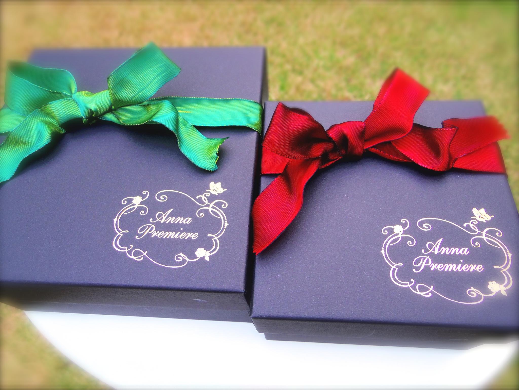 Berry BlackのBOXにはどんな色のリボンも似合います。  お花の色に合わせてお選びいたします。  ご要望があればお気軽にご相談ください。