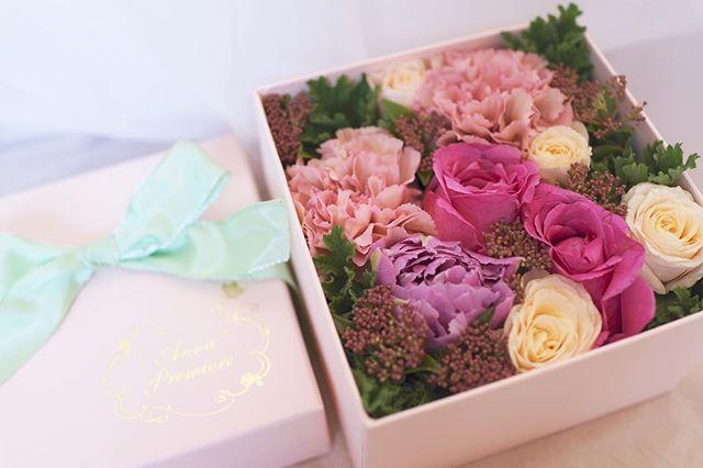 ご出産のお祝いに🎁 ・ 優しいピンクのボックスとお花に癒されます^ ^ ✳︎ 画像をタップしていただくと、オンラインショップから購入していただけます💐 ・ Anna PremiereのSweet Surprise http://www.boxflower.jp ✳︎ #flowers #flowergift #flowershop #flowerschool #flowerdisplay #annapremiere #flowerbox #boxflower  #フラワーボックス #ボックスフラワー #ボックスアレンジ  #preservedflower #プリザーブドフラワー #吉祥寺 #吉祥寺フラワー #吉祥寺フラワーアレンジメント  #吉祥寺大好き #花教室 #吉祥寺花教室 #オーダーメイド #ハンドメイド #フラワーアレンジメント #フラワーギフト #ギフト #花ギフト #ギフト #クリスマスギフト #クリスマスプレゼント #オシャレ