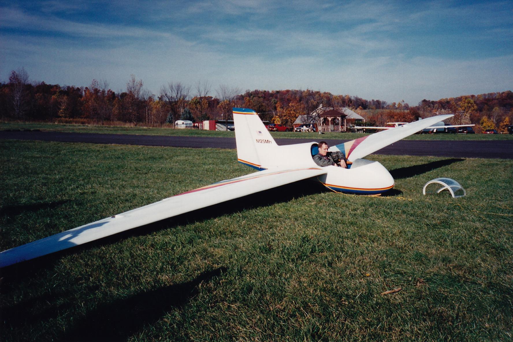 First Flight pretakeoff 1994.jpeg
