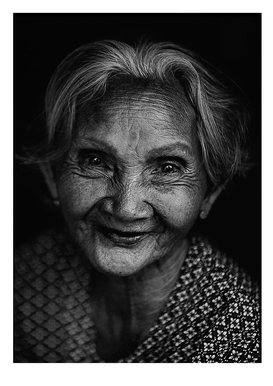 portraitbnw16.jpg