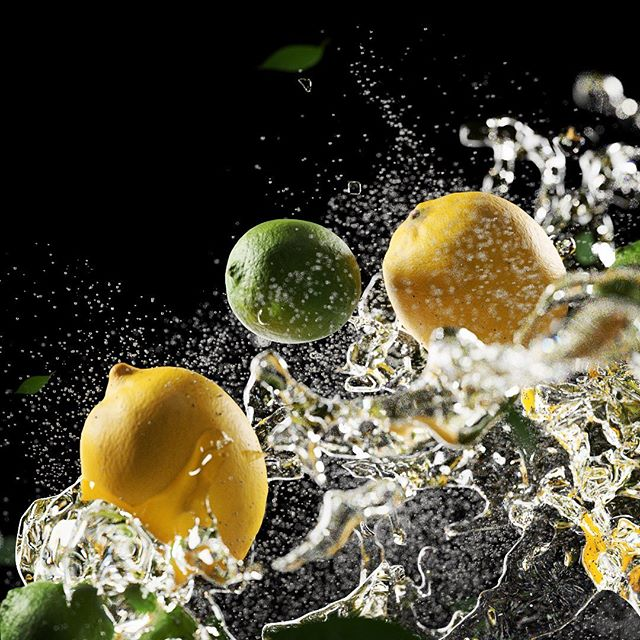 Lemons and limes  #xparticles #c4d #polligon #water #fresh #lemon #limes #render #3d #3drender #redshift #maxon #simulation #3danimation #styleframe #fruit
