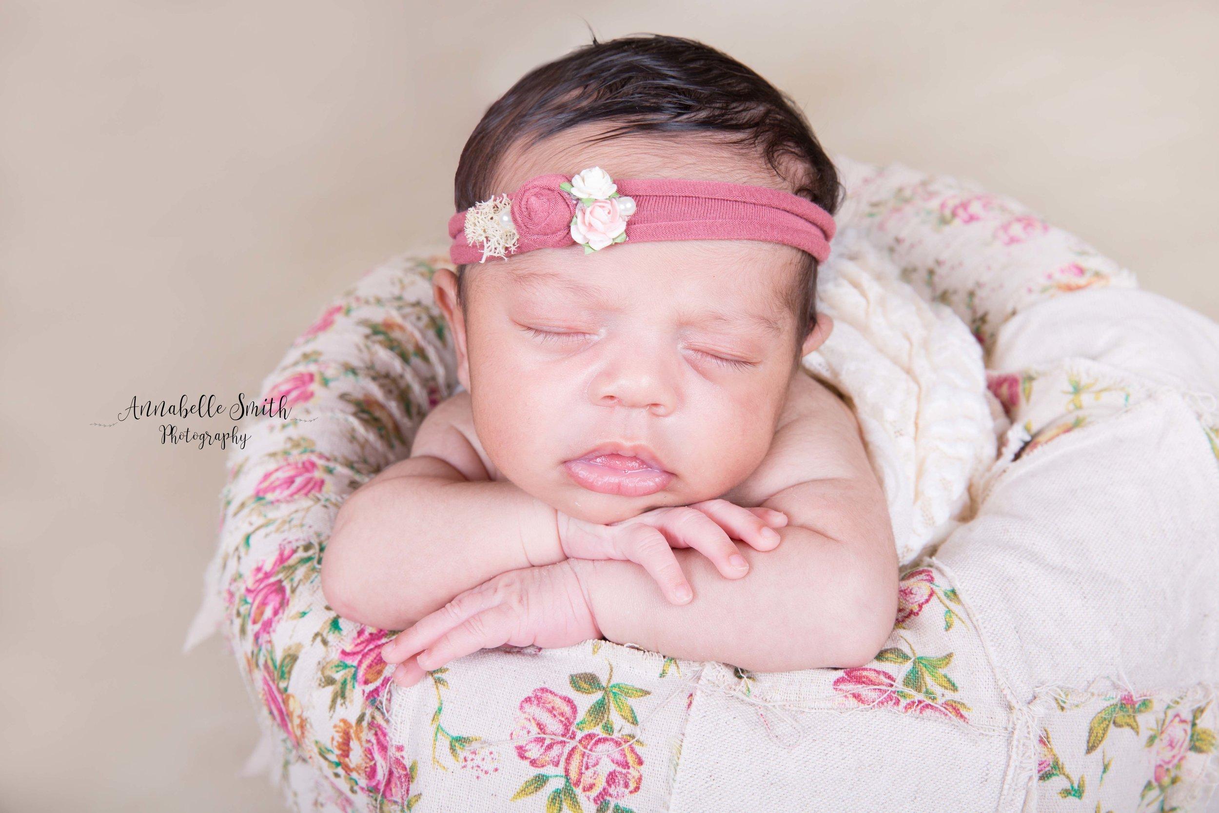 Annabelle smith photography newborn photography surrey.jpg