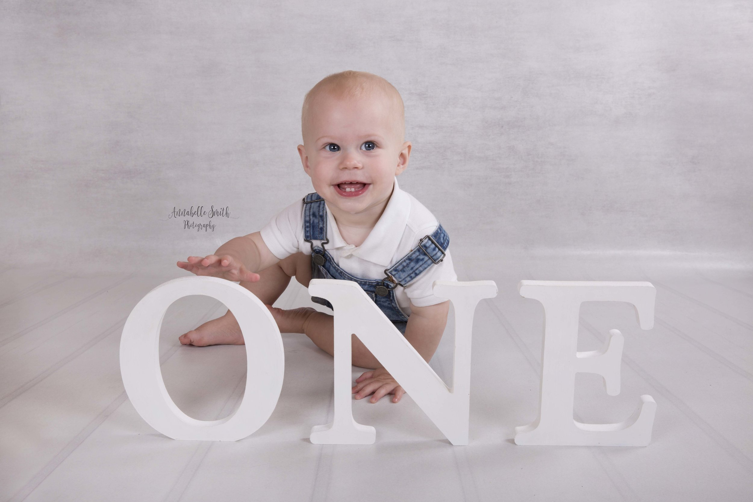 First birthday photography walton.jpg