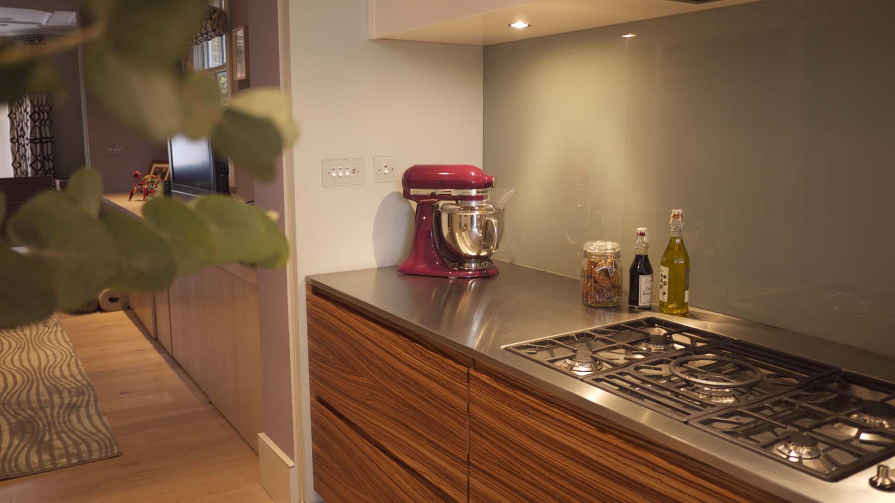 8.kitchen.jpg