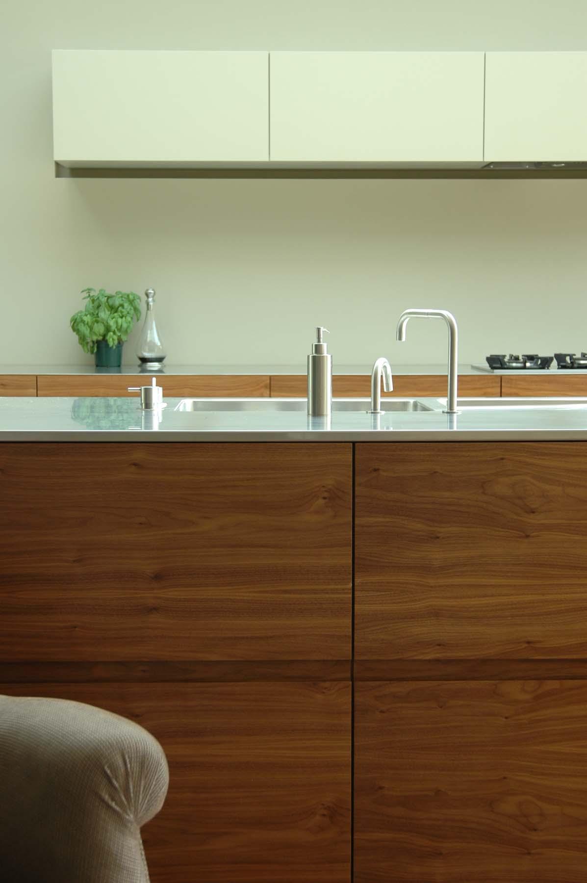 4. kitchen.jpg