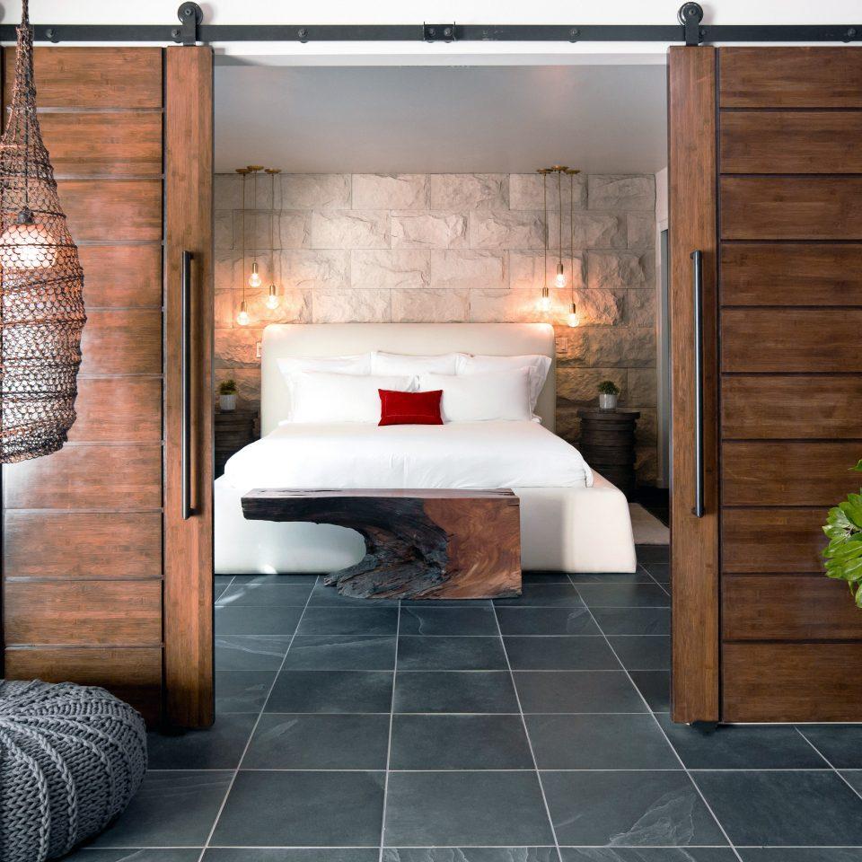 bedroom-fireplace-luxury-modern-960x960.jpg