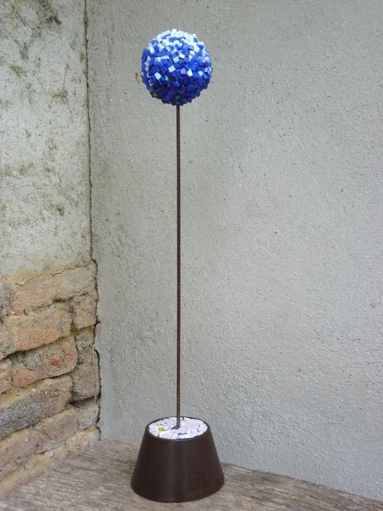 Dimensions // 52 cm Smalts // Litovi // métal