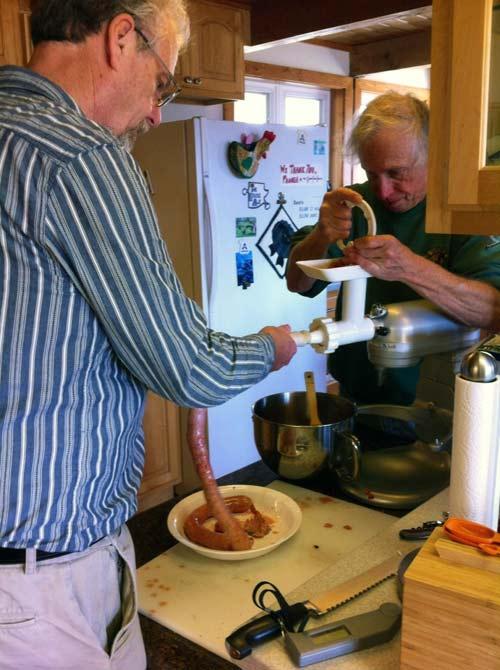 Bob and Ken make the Boerwors