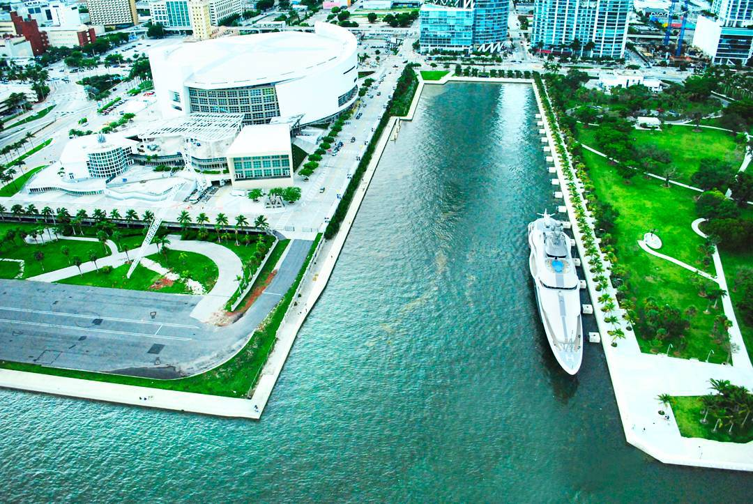 IsabelCastroNet Downtown Miami MiamiBeach Florida Helicopter Photographer Photography 001.jpg