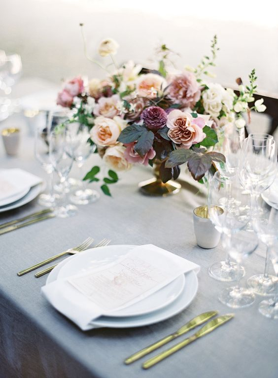 Design by   Bustle Events ,  Photo by   Jose Villa