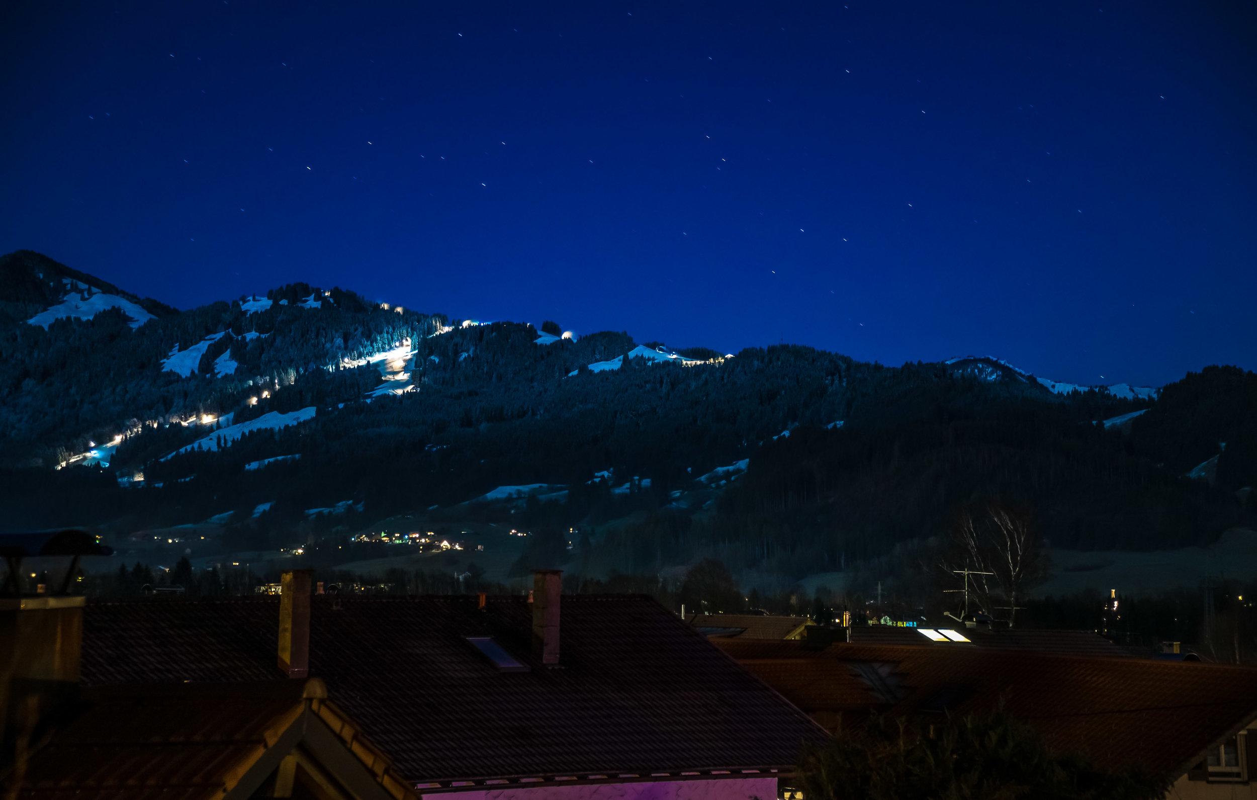 snowy_night.jpg