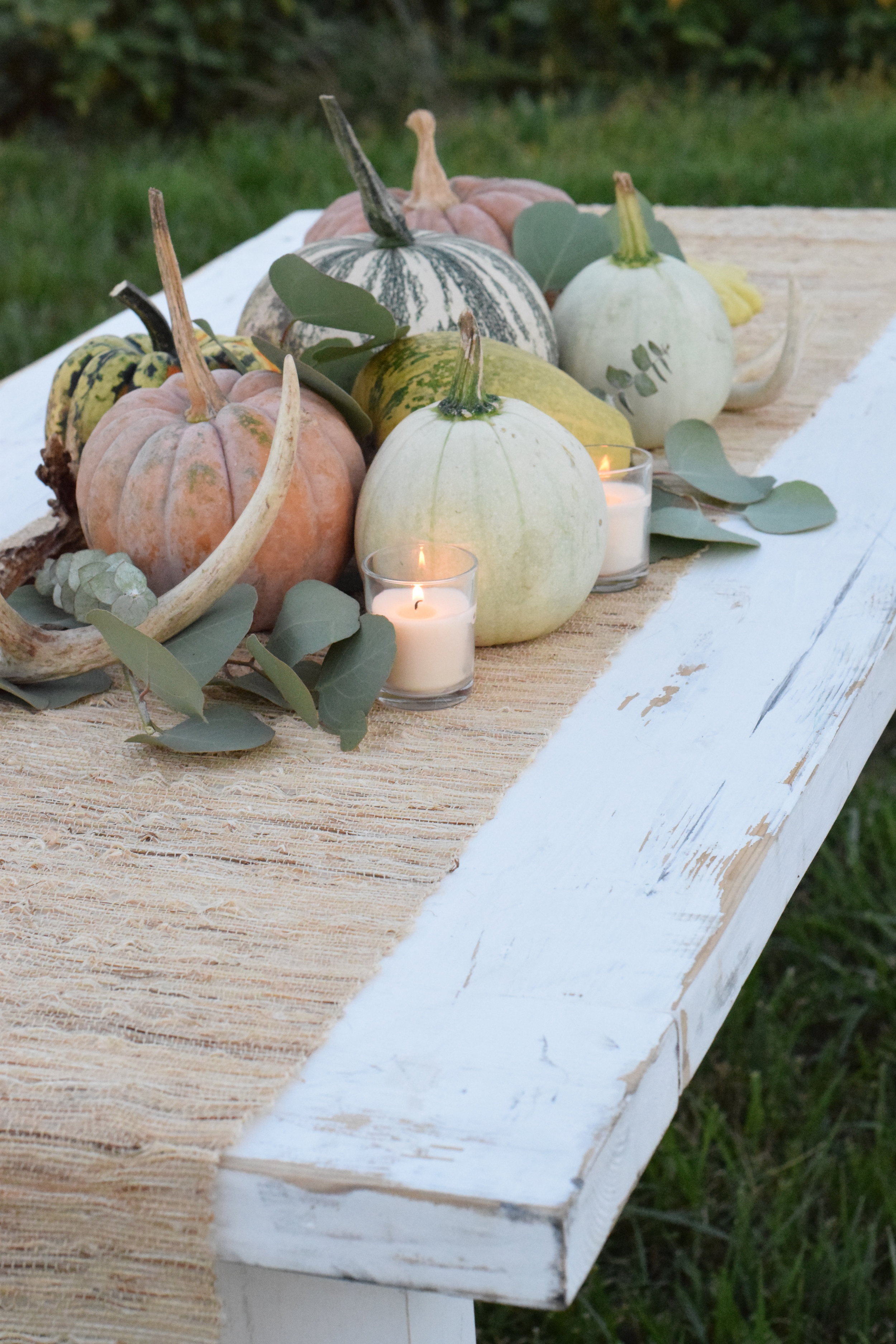 Something Old Event Rentals - Daisy Sweetheart Table