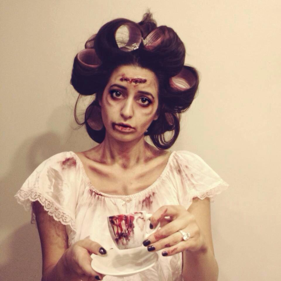 halloween-makeup-housewive-zombie-hair-costume.jpg