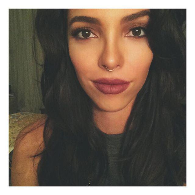 caro-pozo-image-halloween-makeup-blog-post-about-me-quiz