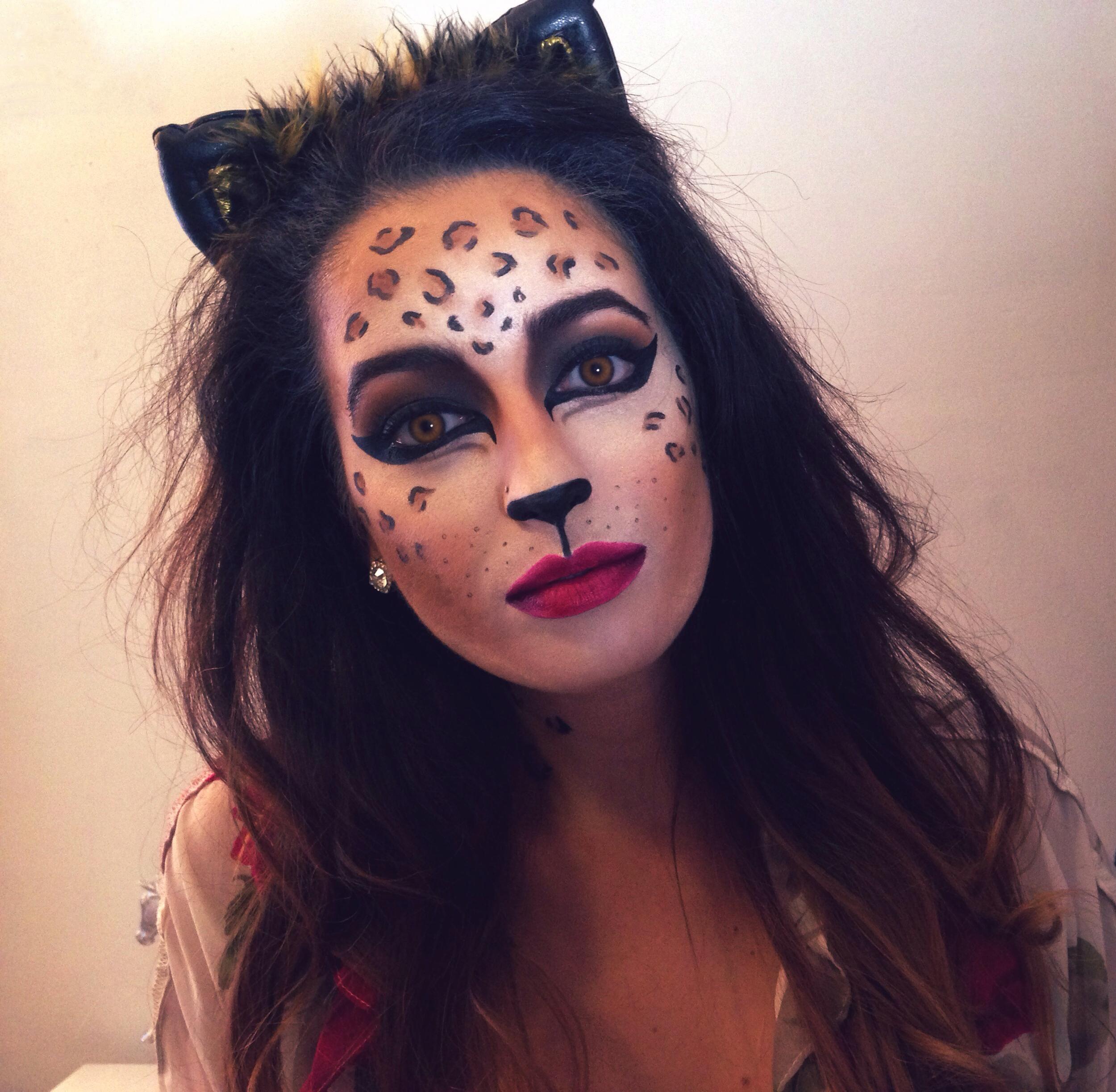 halloween-makeup-diy-leopard-animal-mua-costume-sfx-glam-cat-cosplay-look-4.jpg