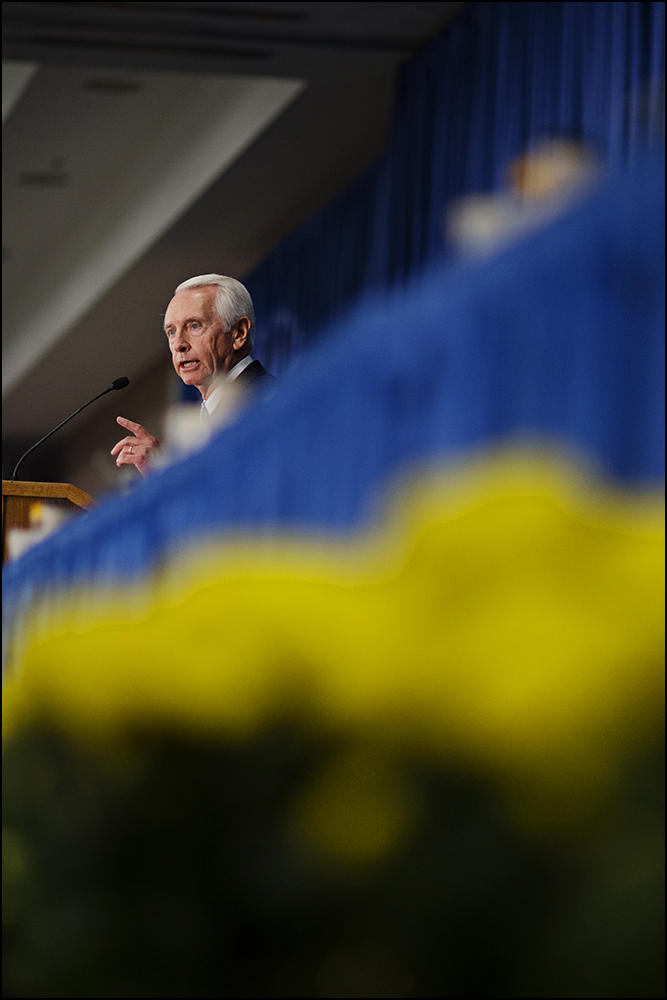 Kentucky Governor Steve BeShear address the audience during the 51st annual Kentucky Country Ham Breakfast at the state fair in Louisville, KY on Thursday, August 21, 2014. Photos by Brian Powers
