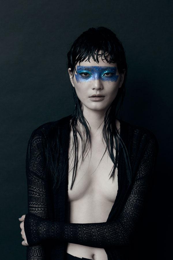7_08162014_BLUE-de-Hue-_Photograph-by-©Pascal-Demeester_-Model_Li-Wei_-Fusion-_Hair-Gonn_MU-Mari-Shten.-.jpg