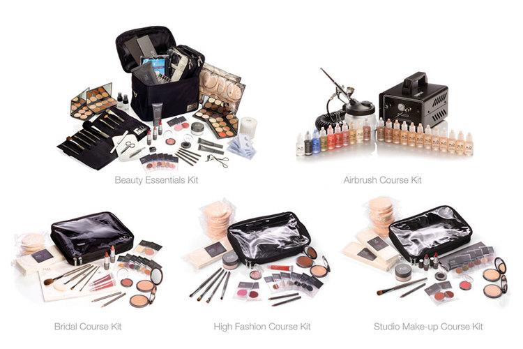 Make-up Kit Level 1+2, im Kurspreis enthalten (außer Kompressor)