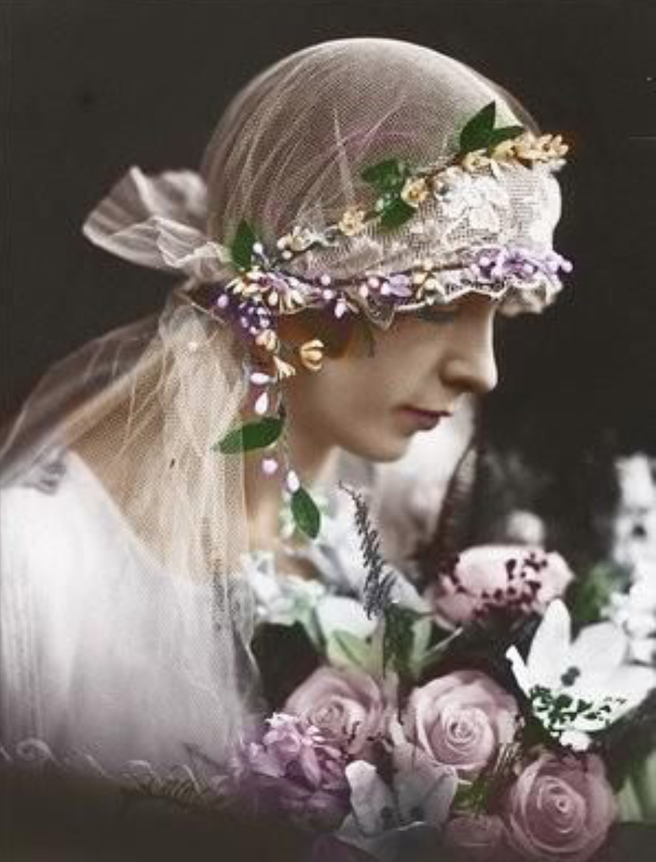 This bride from the Edwardian period references an historical idea figure of Juliet situated in the Renaissance.
