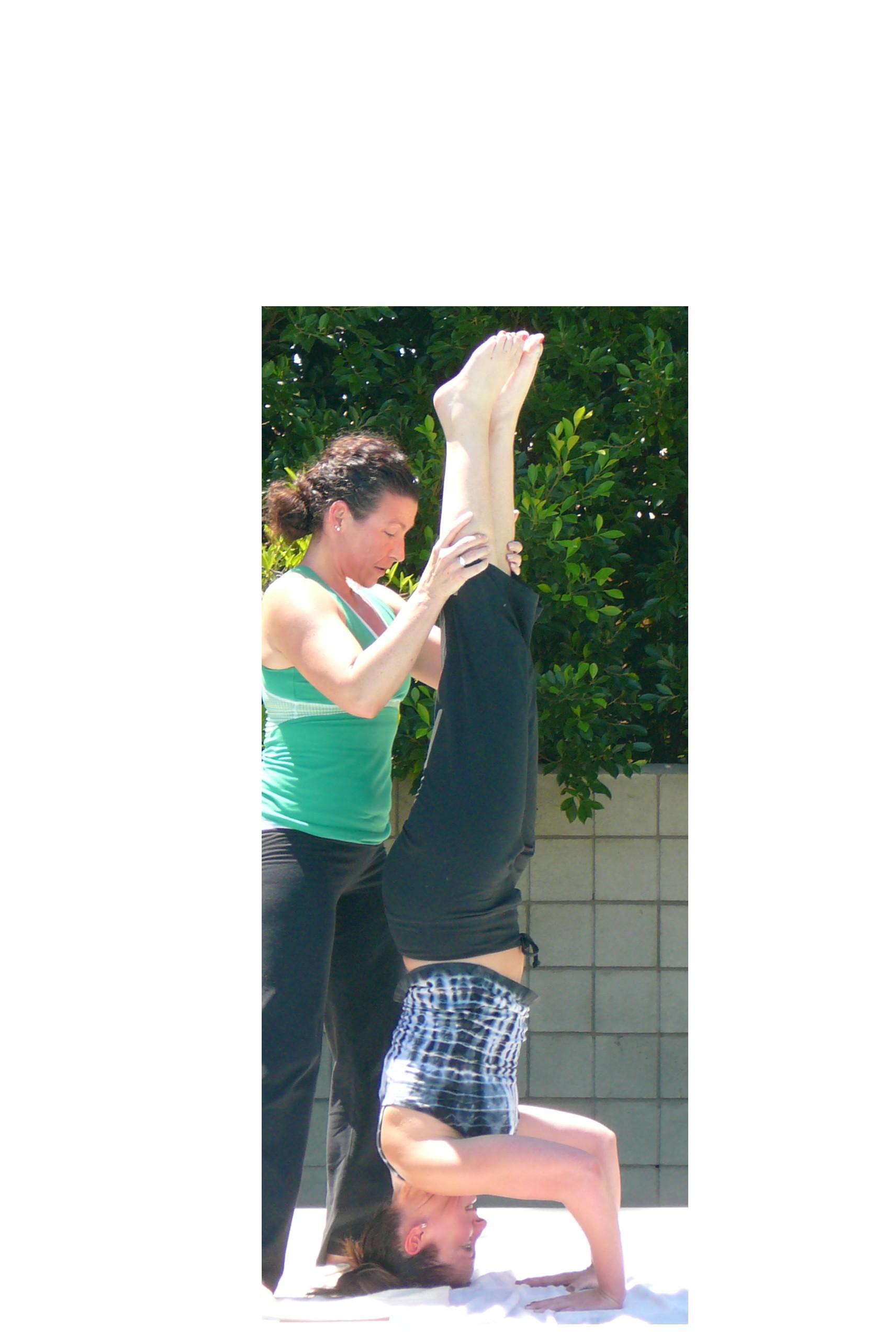 Adjusting headstand -- cropped.JPG