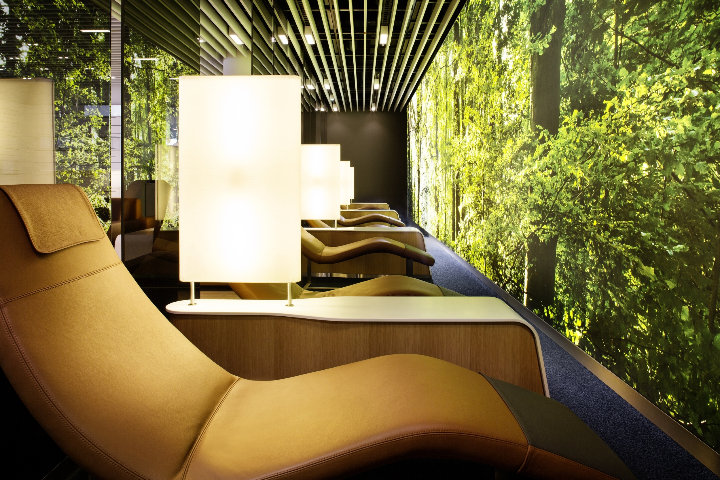 Lounge Lust - the world's most luxurious airport lounges.