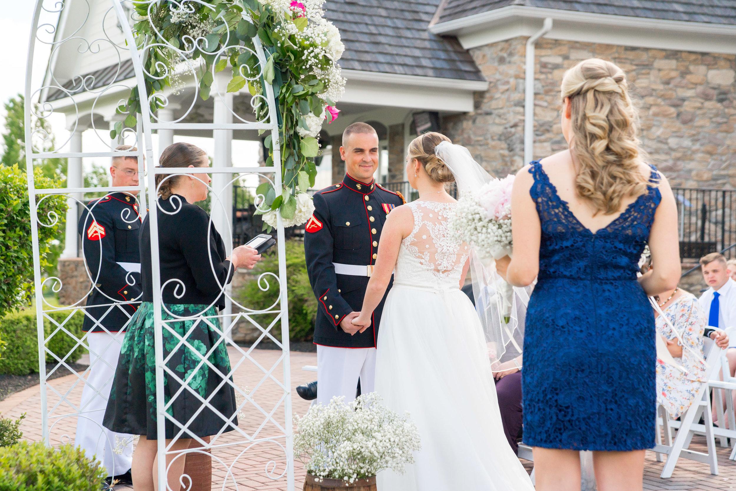 Bride and groom wedding photos at piedmont golf club