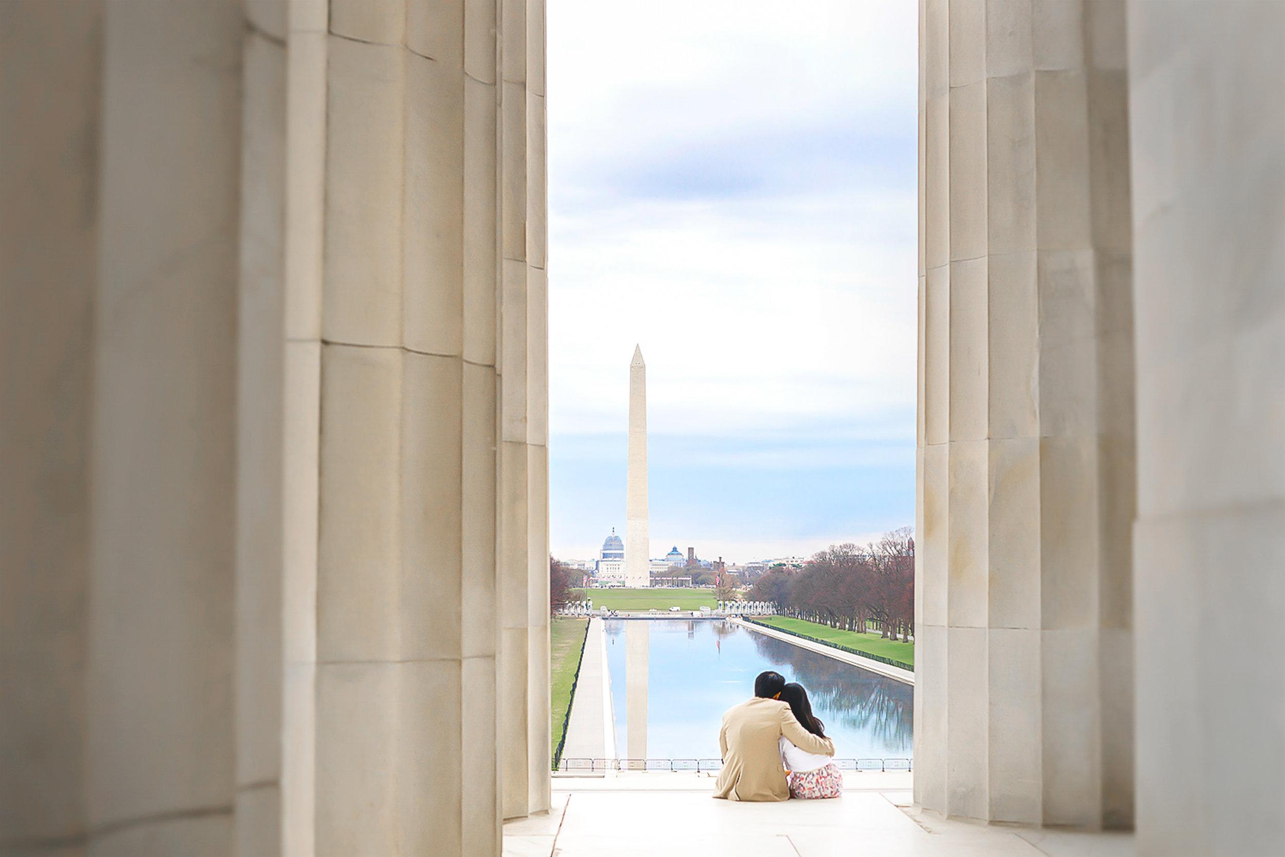 Washington DC Lincoln Memorial engagement photo by Jessica Nazarova