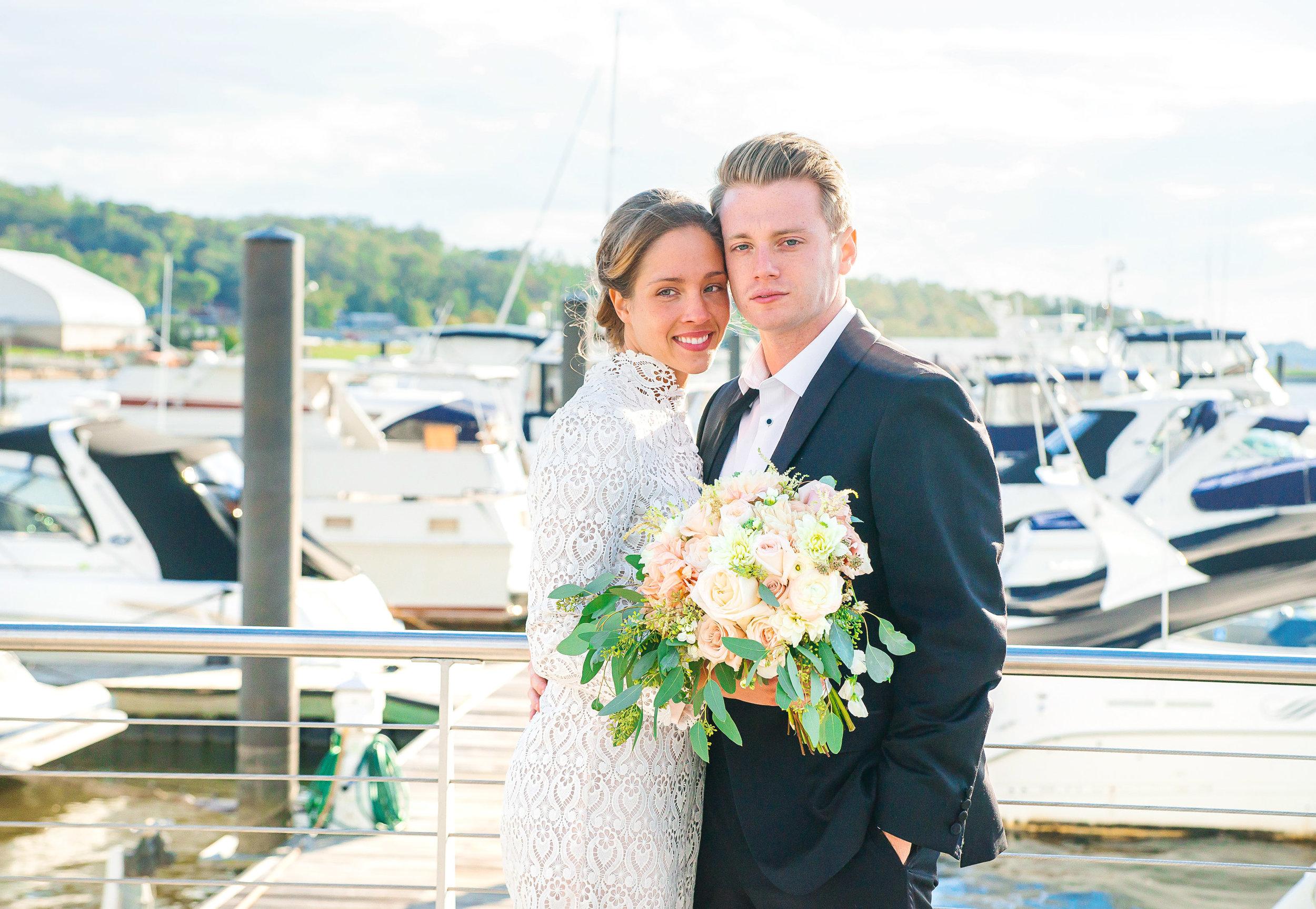 Bride and groom photos at National Harbor ferris wheel by jessica nazarova