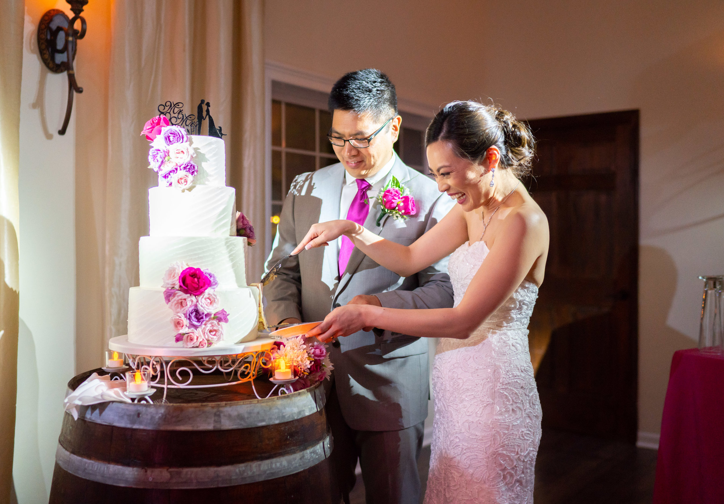 Wedding cake with spot light at Lost Creek Winery