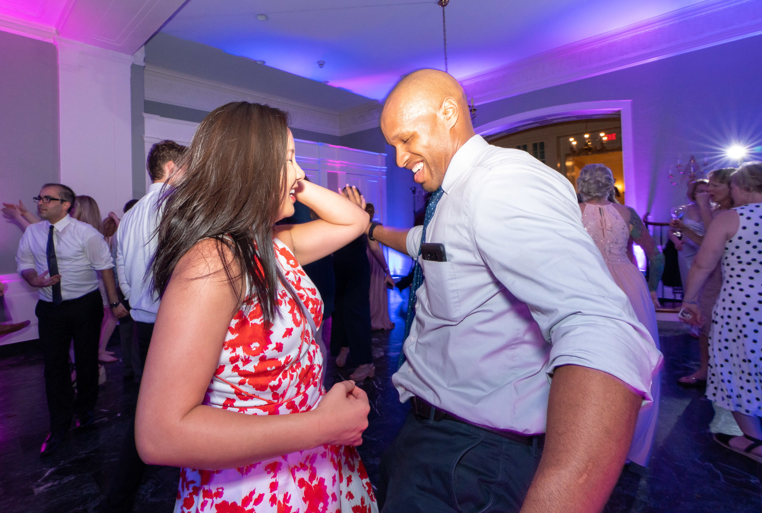 Fun wedding photography in washington dc captures guests dancing