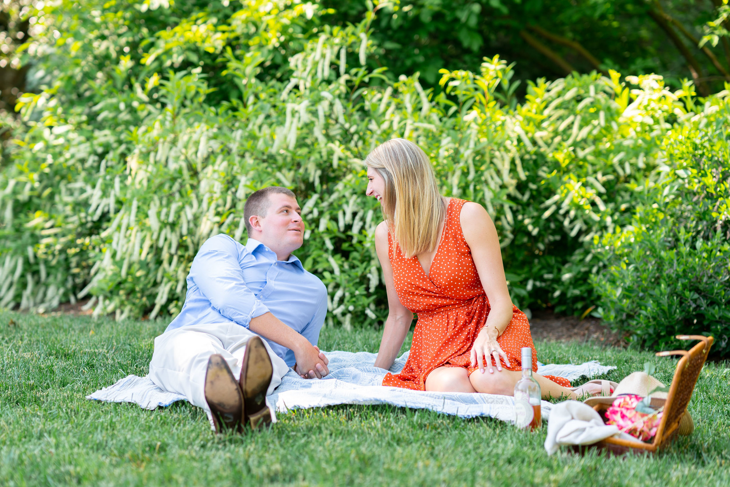 William Paca House engagement session with picnic