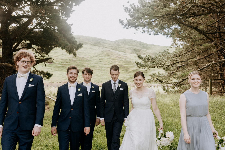un-posed wedding photos