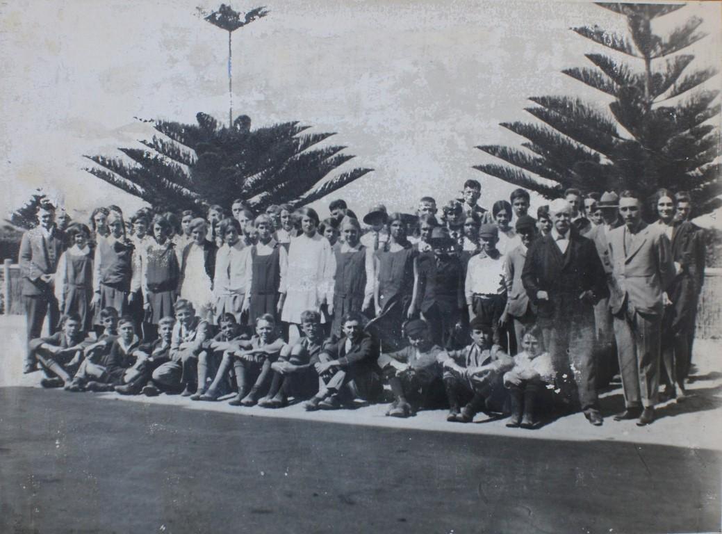 Opening day 4 Feb 1930 (Medium).jpg